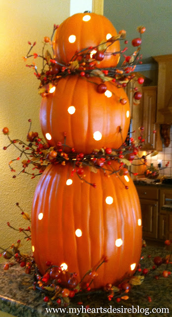 Illuminated Pumpkin Topiary