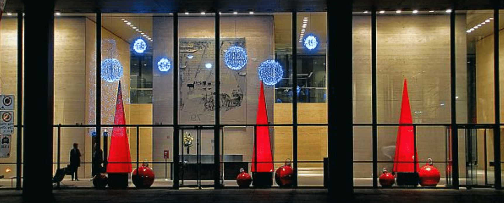 Decorating Businesses For The Holidays